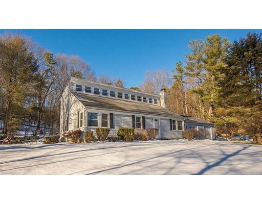 Single Family Home for Sale at 22 William Ward 22 William Ward Uxbridge, Massachusetts 01569 United States