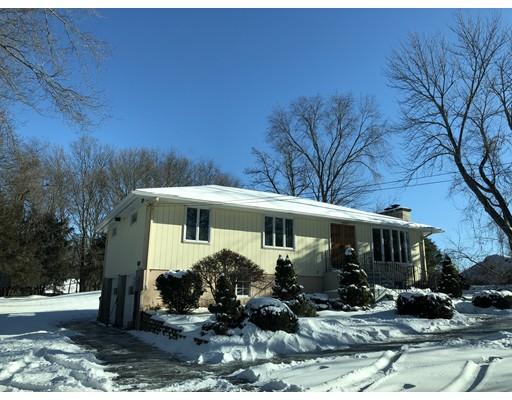 Maison unifamiliale pour l Vente à 561 South Street 561 South Street Shrewsbury, Massachusetts 01545 États-Unis