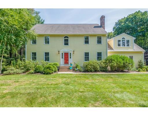 独户住宅 为 销售 在 19 Fredrickson Road 19 Fredrickson Road 诺福克, 马萨诸塞州 02056 美国