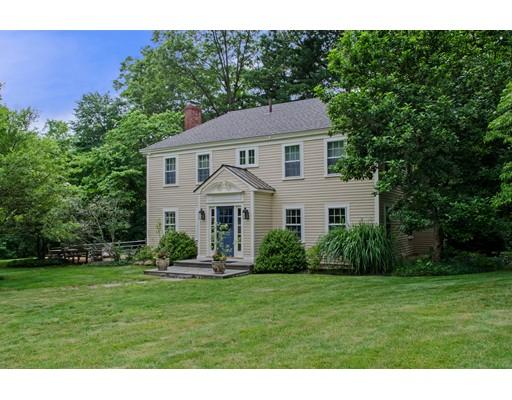 Casa Unifamiliar por un Venta en 21 Topsfield Road 21 Topsfield Road Wenham, Massachusetts 01984 Estados Unidos