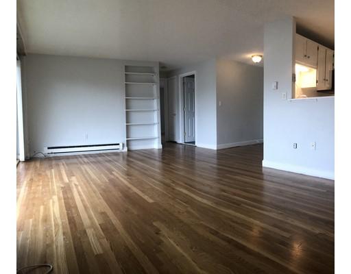 Casa Unifamiliar por un Alquiler en 260 Tremont Street 260 Tremont Street Melrose, Massachusetts 02176 Estados Unidos