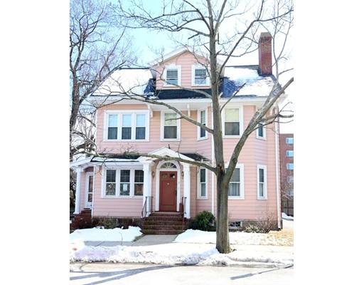 Casa Multifamiliar por un Venta en 9 Oxford Street 9 Oxford Street Arlington, Massachusetts 02474 Estados Unidos