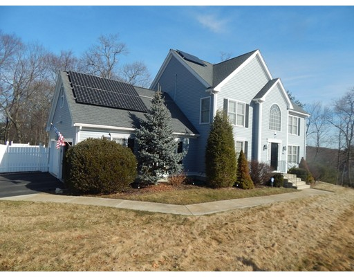 Single Family Home for Sale at 968 Marston Road 968 Marston Road Northbridge, Massachusetts 01588 United States