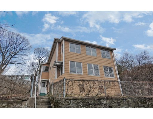 Multi-Family Home for Sale at 4 Maxwell Court 4 Maxwell Court Worcester, Massachusetts 01607 United States