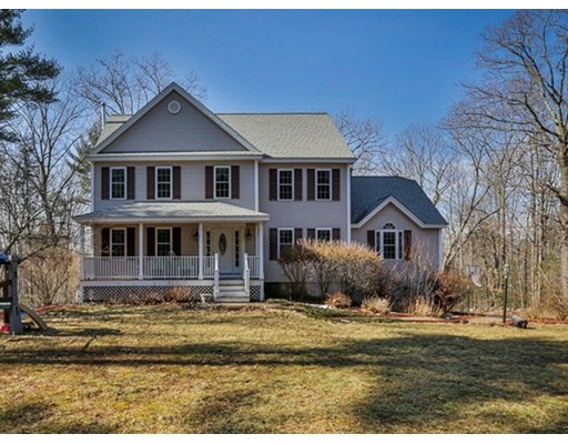 Casa Unifamiliar por un Venta en 224 Wallace Hill Road Townsend, Massachusetts 01469 Estados Unidos