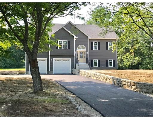 واحد منزل الأسرة للـ Sale في 4 Blackstone Street 4 Blackstone Street Blackstone, Massachusetts 01504 United States