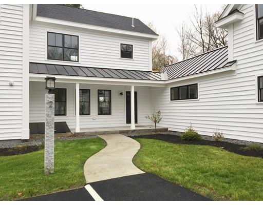 Appartement en copropriété pour l Vente à 71 Champney Street #B 71 Champney Street #B Groton, Massachusetts 01450 États-Unis