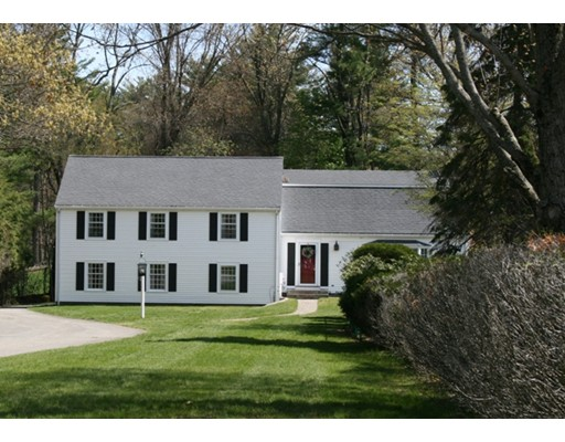 Single Family Home for Sale at 17 Pocahontas Way 17 Pocahontas Way Lynnfield, Massachusetts 01940 United States
