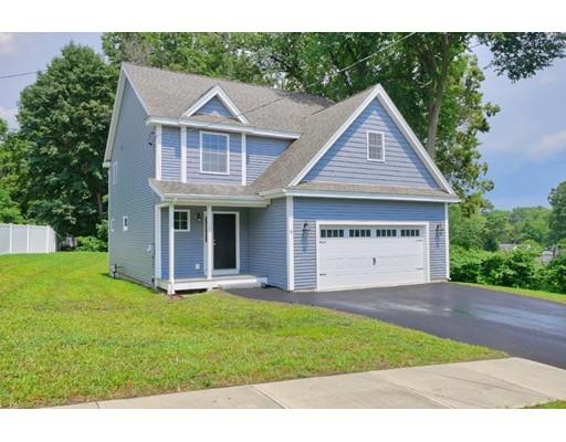 واحد منزل الأسرة للـ Sale في 17 Library Street 17 Library Street Hudson, New Hampshire 03051 United States