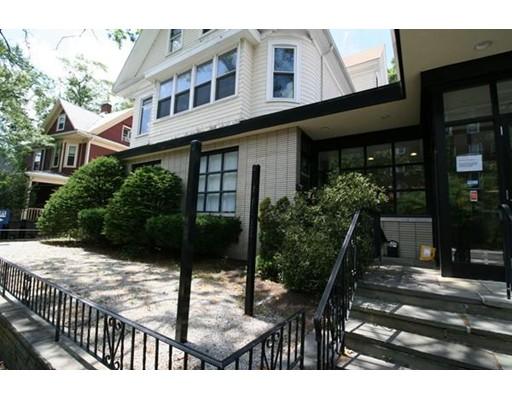 Commercial pour l à louer à 118 College Avenue 118 College Avenue Somerville, Massachusetts 02144 États-Unis