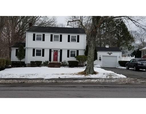 独户住宅 为 销售 在 972 Pleasant Street 布罗克顿, 02301 美国