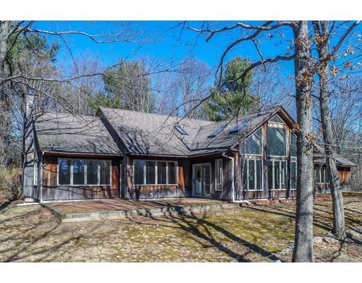 Casa Unifamiliar por un Venta en 76 Foster Road 76 Foster Road Ashby, Massachusetts 01431 Estados Unidos