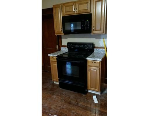 Casa Unifamiliar por un Alquiler en 22 5th Avenue 22 5th Avenue Taunton, Massachusetts 02780 Estados Unidos
