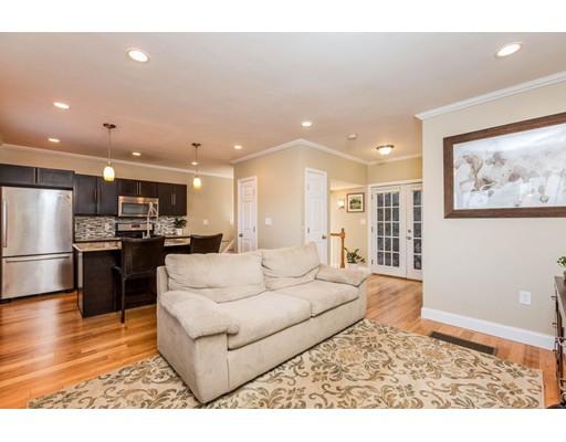 共管式独立产权公寓 为 销售 在 9 LISBETH STREET #Rear 9 LISBETH STREET #Rear Lexington, 马萨诸塞州 02421 美国