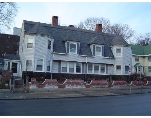 Частный односемейный дом для того Аренда на 816 Broadway 816 Broadway Chelsea, Массачусетс 02150 Соединенные Штаты