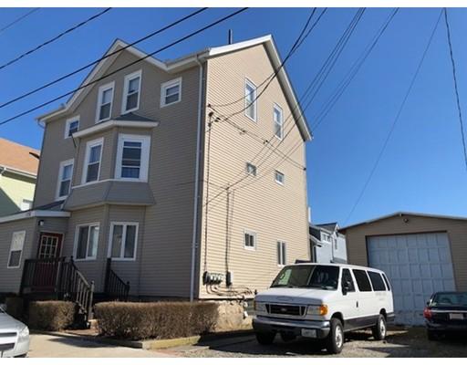Maison avec plusieurs logements pour l Vente à 178 Mott Street 178 Mott Street Portsmouth, Rhode Island 02871 États-Unis