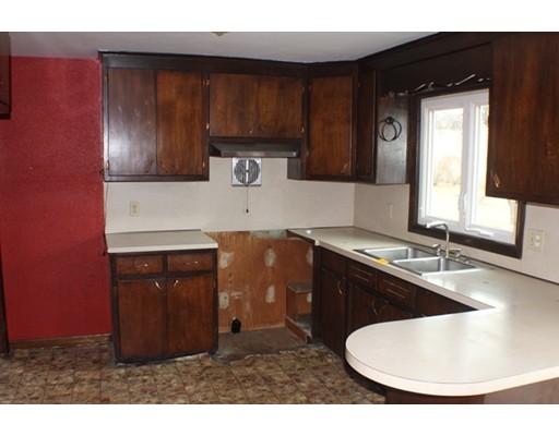 39 Pleasant St, Granby, MA, 01033