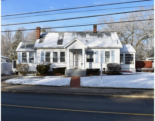 Single Family Home for Sale at 250 Vernon Street Wakefield, 01880 United States
