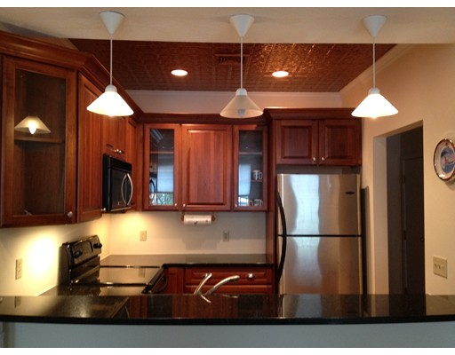 Частный односемейный дом для того Аренда на 142 Main Street 142 Main Street Gloucester, Массачусетс 01930 Соединенные Штаты