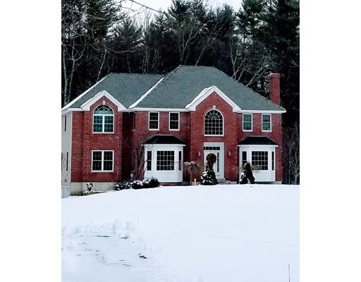 独户住宅 为 销售 在 220 Forest Street 220 Forest Street Dunstable, 马萨诸塞州 01827 美国