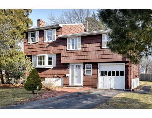 Single Family Home for Sale at 32 Greenleaf Circle 32 Greenleaf Circle Framingham, Massachusetts 01701 United States