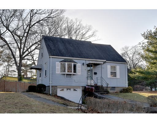 Single Family Home for Sale at 10 Magnolia Road 10 Magnolia Road Natick, Massachusetts 01760 United States