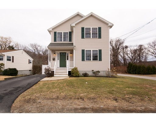 Single Family Home for Sale at 31 Cove Street 31 Cove Street East Providence, Rhode Island 02915 United States