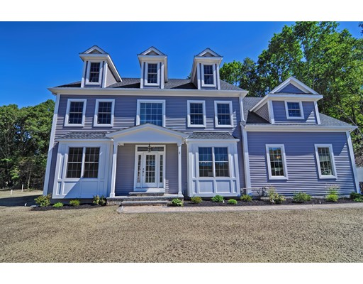 Single Family Home for Sale at 5 Ammidon Road 5 Ammidon Road Mendon, Massachusetts 01756 United States