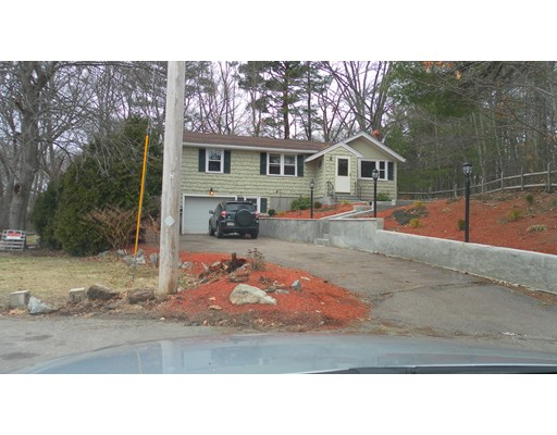 Single Family Home for Rent at 65 Bradford Rd. #0 65 Bradford Rd. #0 Weymouth, Massachusetts 02190 United States
