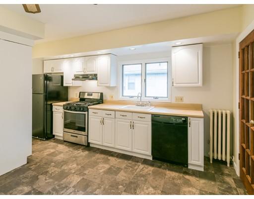 Casa Unifamiliar por un Alquiler en 62 Harvard Street 62 Harvard Street Everett, Massachusetts 02149 Estados Unidos