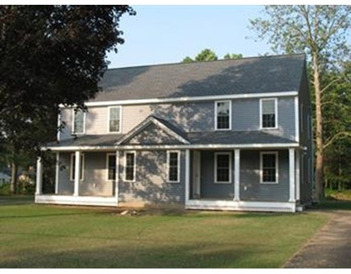 Casa unifamiliar adosada (Townhouse) por un Alquiler en 320 Laurel St. #320 320 Laurel St. #320 Bridgewater, Massachusetts 02324 Estados Unidos