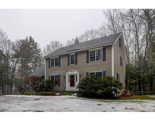 Maison unifamiliale pour l Vente à 22 Taylor Drive 22 Taylor Drive Milford, New Hampshire 03055 États-Unis