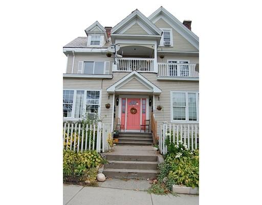 Casa Unifamiliar por un Alquiler en 231 Cabot Street 231 Cabot Street Holyoke, Massachusetts 01040 Estados Unidos
