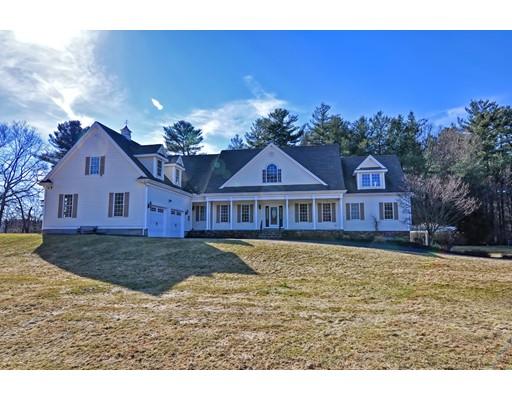 独户住宅 为 销售 在 130 Burnt Swamp Road 130 Burnt Swamp Road Wrentham, 马萨诸塞州 02093 美国