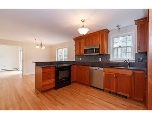 Single Family Home for Sale at 191 Simons Narrows Road Mashpee, 02649 United States