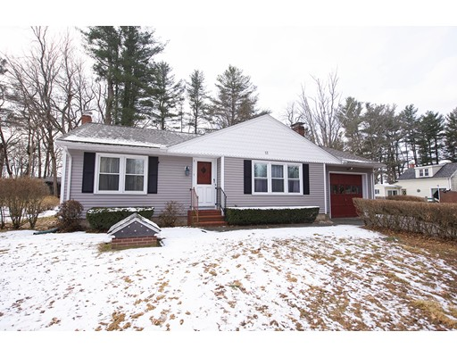 Single Family Home for Sale at 13 Massasoit Blvd 13 Massasoit Blvd Plaistow, New Hampshire 03865 United States