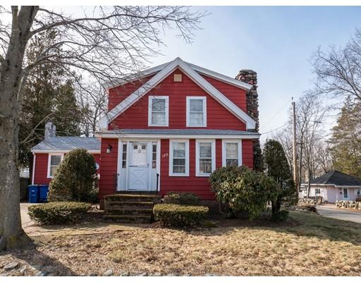 Частный односемейный дом для того Продажа на 135 Arnold Street 135 Arnold Street Braintree, Массачусетс 02184 Соединенные Штаты