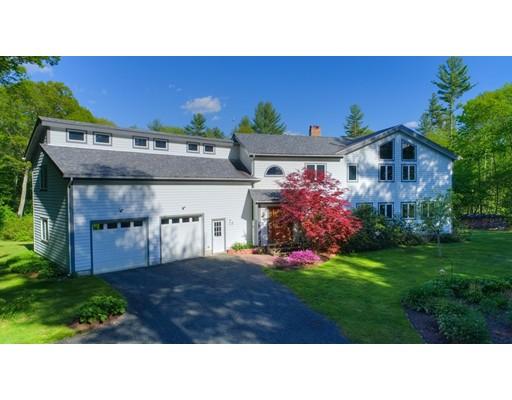 Maison unifamiliale pour l Vente à 294 W Pelham Road 294 W Pelham Road Shutesbury, Massachusetts 01072 États-Unis