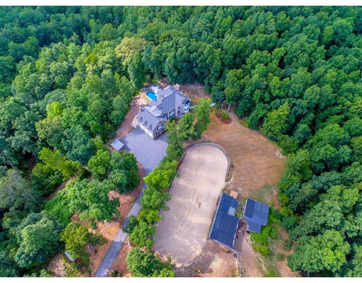 Single Family Home for Sale at 112 Thorndike Street 112 Thorndike Street Dunstable, Massachusetts 01827 United States
