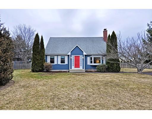 独户住宅 为 销售 在 4 Richie Road 4 Richie Road Attleboro, 马萨诸塞州 02703 美国