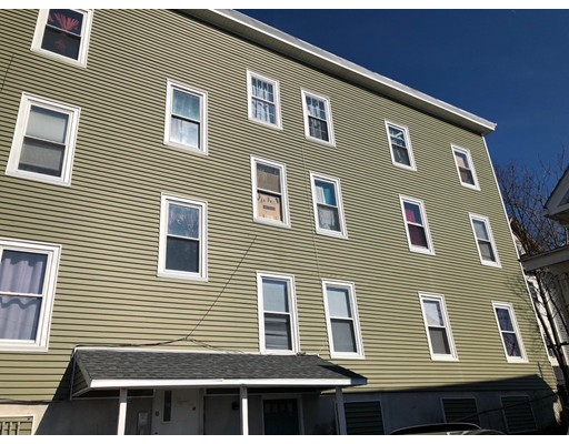 Casa Multifamiliar por un Venta en 12 Greenwood Place 12 Greenwood Place Lynn, Massachusetts 01902 Estados Unidos