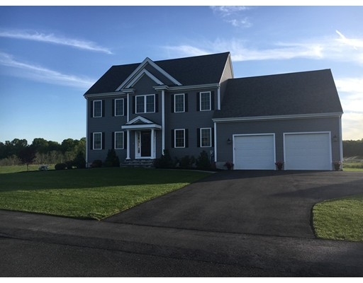 Single Family Home for Sale at 74 Blue Grass Circle 74 Blue Grass Circle Taunton, Massachusetts 02780 United States