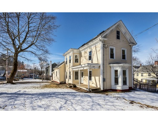 Casa Unifamiliar por un Venta en 184 Elm Amesbury, Massachusetts 01913 Estados Unidos
