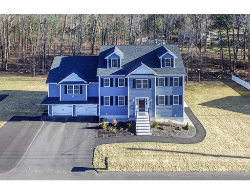 Частный односемейный дом для того Продажа на 7 Nicholas Avenue 7 Nicholas Avenue Billerica, Массачусетс 01862 Соединенные Штаты