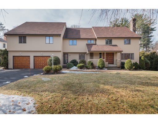 Single Family Home for Sale at 8 Spencer Court 8 Spencer Court Andover, Massachusetts 01810 United States