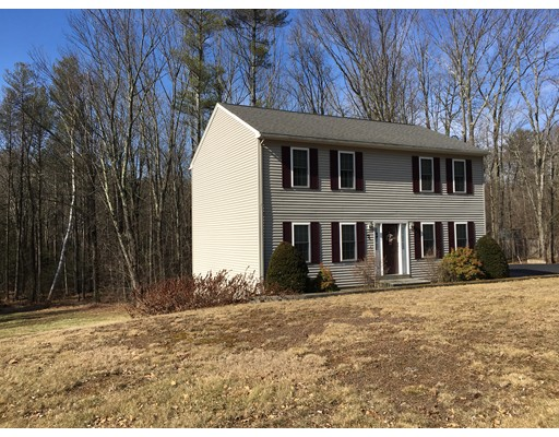 Single Family Home for Sale at 7 Little Alum Road 7 Little Alum Road Brimfield, Massachusetts 01010 United States