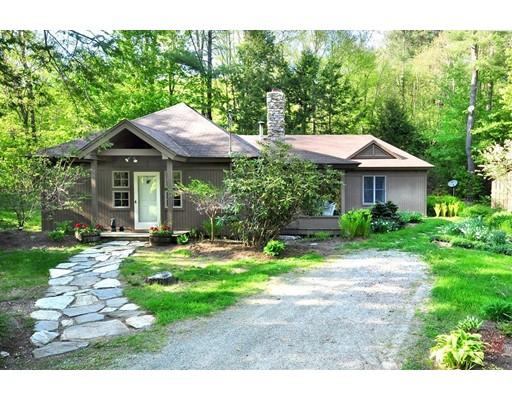 واحد منزل الأسرة للـ Sale في 30 North Trail 30 North Trail Tolland, Massachusetts 01034 United States