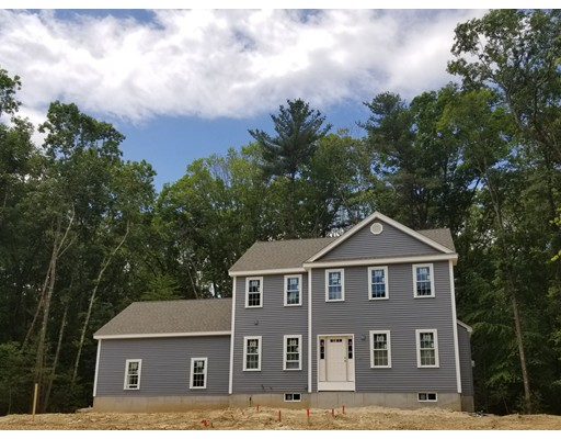 独户住宅 为 销售 在 2 Tucker Hill Estates 2 Tucker Hill Estates 阿克斯布里奇, 马萨诸塞州 01569 美国