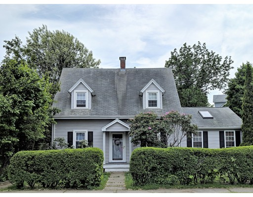 Частный односемейный дом для того Продажа на 185 Samoset Avenue 185 Samoset Avenue Quincy, Массачусетс 02169 Соединенные Штаты