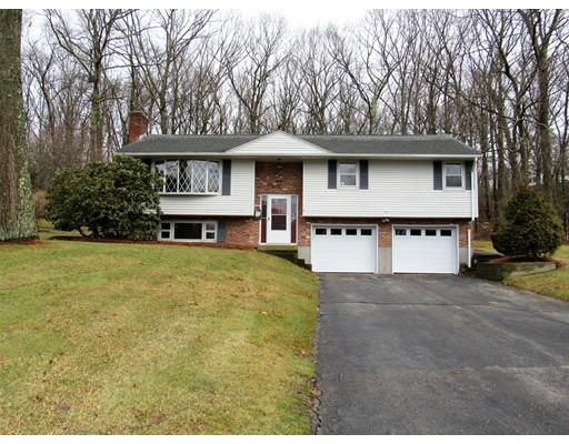 Maison unifamiliale pour l Vente à 16 Countryside Road 16 Countryside Road Grafton, Massachusetts 01536 États-Unis